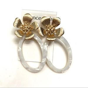 Franchesca's Floral Earrings NWT